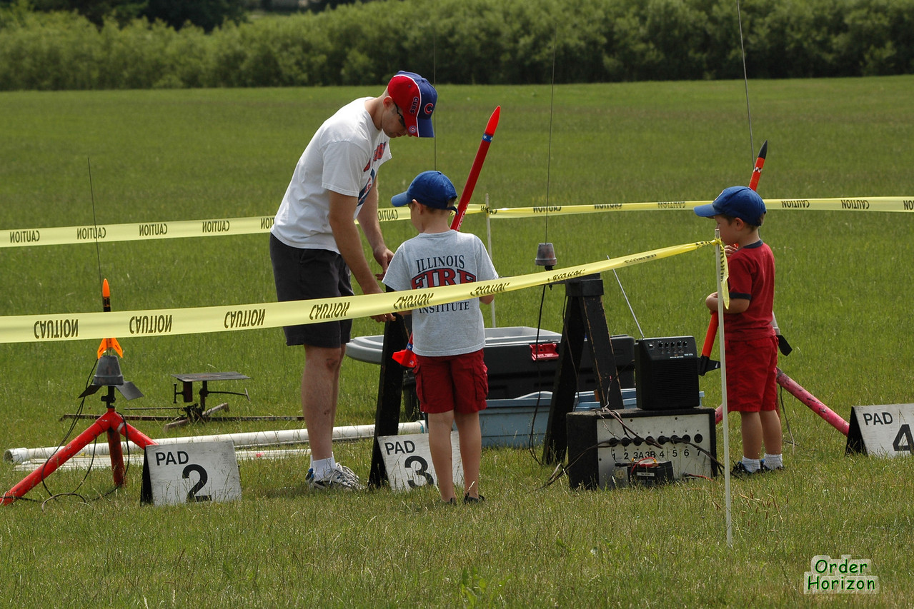 Young rocketeers set up