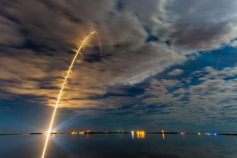 Long exposure streak of the OA6 AtlasV launch