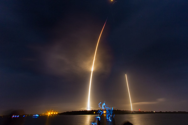 Composite streak of the SpaceX Falcon9 OG2 launch and landing