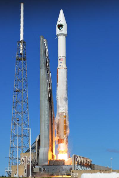 IMAGE: http://www.mikedeep.com/Aerospace/Rockets/GPS-IIF8-Atlas-V/i-f6jKWWp/0/L/2014_10_29_13_32_06_30D_8178-L.jpg