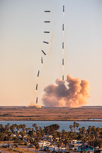 14-shot composite of SpaceX's Starship SN8 prototype launching and landing in Texas.