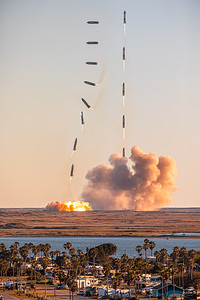 14-shot composite of SpaceX's Starship SN8 prototype launching and..er...landing in Texas.