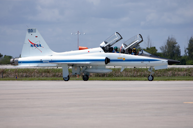 Tuesday, April 26 - Commander Mark Kelly's T-38 aircraft taxis in at the SLF.