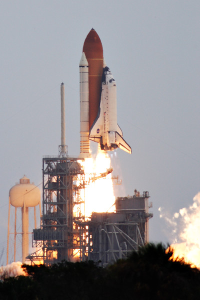 <i>Atlantis</i> lifts off for the final time.