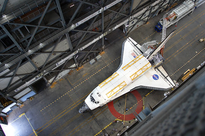 2012-02-01 Atlantis in the VAB