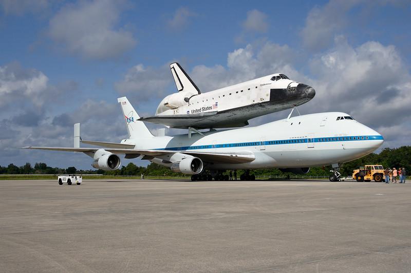 IMAGE: http://www.mikedeep.com/Space-Shuttle/Transition-Retirement/2012-09-16-Endeavour-SCA/i-Z9nVm7p/0/L/2012_09_18_10_19_12_1D2_9111-L.jpg
