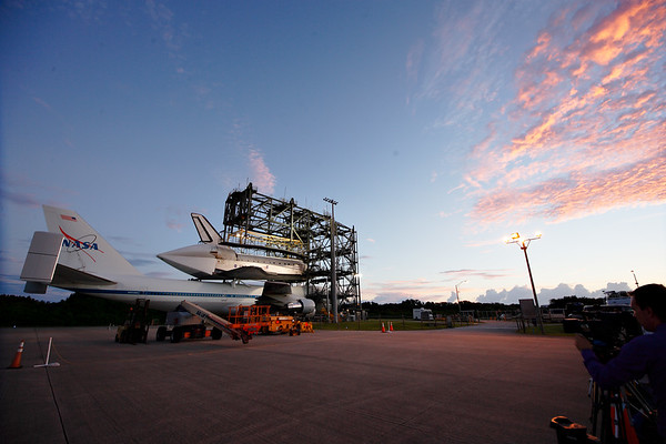 IMAGE: http://www.mikedeep.com/Space-Shuttle/Transition-Retirement/2012-09-16-Endeavour-SCA/i-kSZg3Xh/1/M/201209160659591D28824-M.jpg