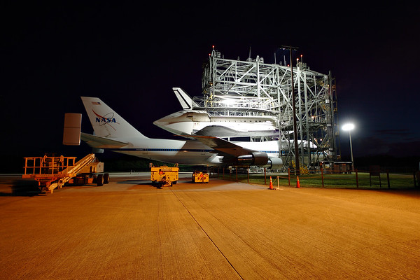 IMAGE: http://www.mikedeep.com/Space-Shuttle/Transition-Retirement/2012-09-16-Endeavour-SCA/i-nbhXjLk/1/M/201209160632351D28793-M.jpg
