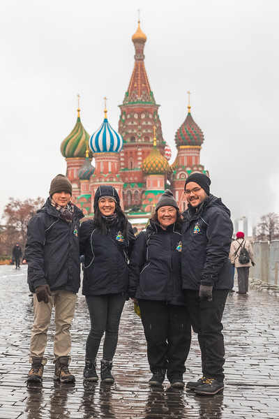 The Tingle family tours Red Square in Moscow before Scott's Expedition 54/55 launch to the International Space Station.