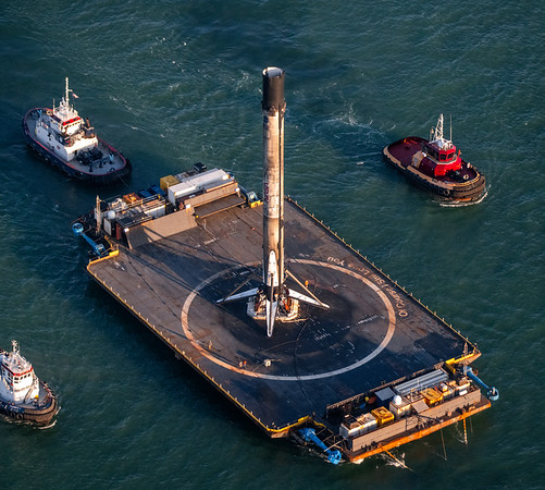 Close-up of Falcon 9 aboard OCISLY entering Port Canaveral after the 13th Starlink mission.