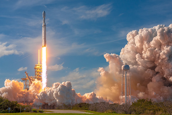 Falcon Heavy clearing the FSS (Fixed Service Structure) as it launches on its maiden flight, February 6th, 2018.