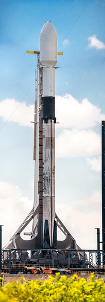 348.5 megapixel panorama of Falcon 9 B1060.2 in advance of the 12th Starlink mission.