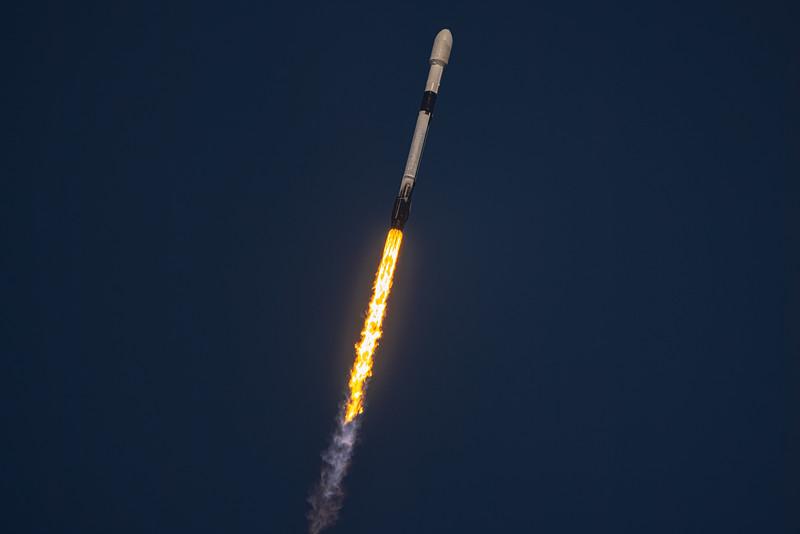 Falcon 9 B1051.7 launches the SXM-7 satellite for Sirius XM.