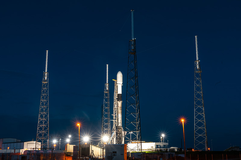 Blue hour at SLC-40 where SpaceX's Falcon 9 B1049.6 stands ready to loft the eleventh batch of Starlink satellites.
