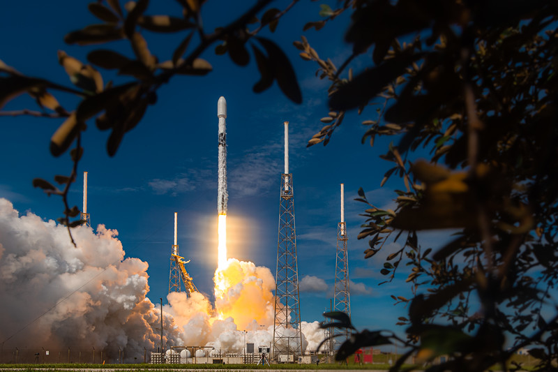 Falcon 9 lifts off from SLC-40 with 58 SpaceX Starlink and 3 SkySat satellites for Planet.