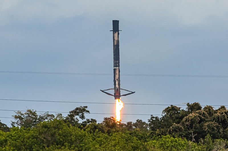 Leg deploy and touchdown. Almost like SpaceX planned it.