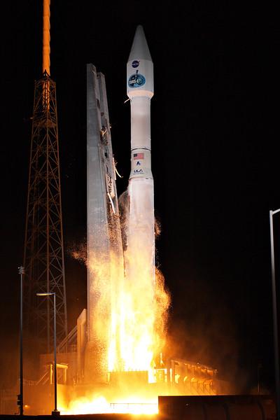 IMAGE: http://www.mikedeep.com/Aerospace/Rockets/TDRS-L/i-L9Zxh9f/4/L/2014_01_23_22_37_13_30D_9957-L.jpg
