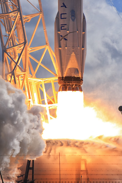 IMAGE: https://photos.smugmug.com/Aerospace/Rockets/Thaicom-8/i-gX822W3/0/L/2016_05_27_17_31_35_40D_9567-L.jpg