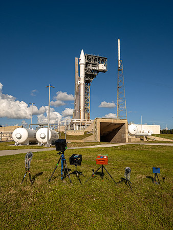 Atlas V, ready for its close-up, Oct 16, 2021 at 5:34am.