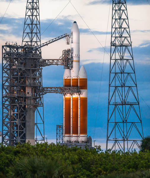 248.3 megapixel panorama of the Delta IV Heavy on Oct 1st, 2020.