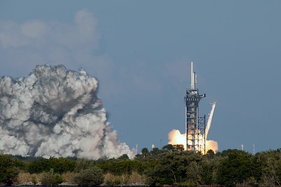 SpaceX Falcon Heavy - Arabsat 6A - Liftoff