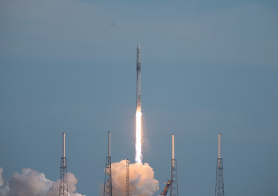 SpaceX - CRS-14 - Clearing the lightning towers