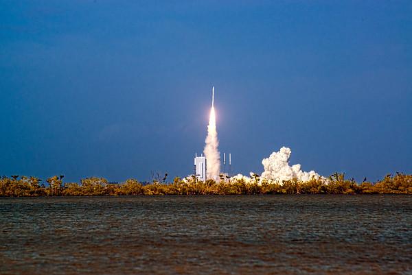 Atlas V Comm Satellite Launch