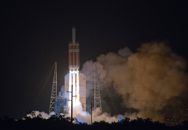 Delta IV Parker Sun Probe Launch