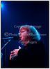 Maggie Reilly, kendt for sit samarbejde med komponisten Mike Oldfield i perioden 1980-1984, på scenen foran et begejstret publikum i Amager Bio onsdag 22. november 2006. ------  Maggie Reilly on stage in Amager Bio 22. November 2006 Photo: Torben Christensen © Copenhagen