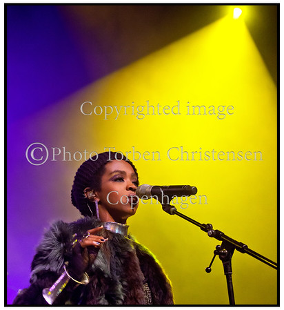 "Det amerikanske neosoul-ikon  Lauryn Hill på scenen i Falconer Salen mandag 30. januar 2012 hvor hun gav  hele sit storsælgende album ""The Miseducation of Lauryn Hill"" fra ende til anden. ------   The US neosoul icon Lauryn Hill on stage in Falconer Hall Monday, January 30, 2012 where she gave her best-selling album ""The Miseducation of Lauryn Hill"" from start to end. Photo: © Torben Christensen © Copenhagen,"