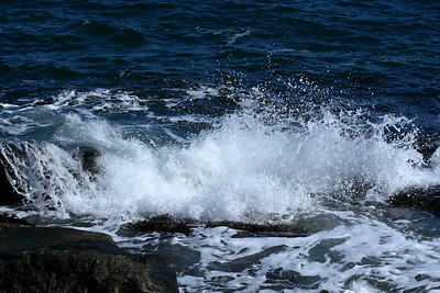 #1489  Ocean waves breaking against rocks at Rockport, MA