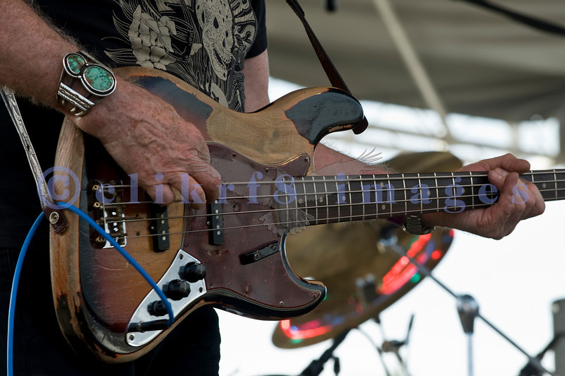 The Winthrop Blues ranch hosted the 40th Anniversary of Woodstock aka Heroes of Woodstock in August, 2009. A closer look at the bass of Leo Lyons, bass player for Ten Years After.
