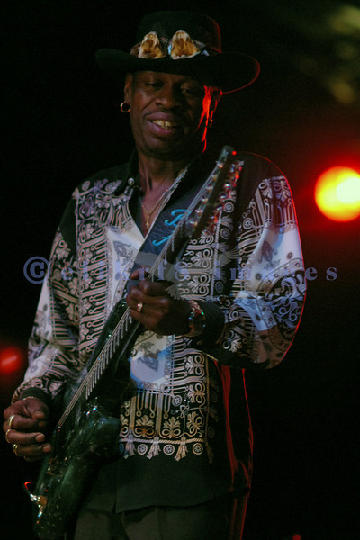 Luther Allison, son of famed bluesman Luther Allison, is an awesome performer in his own right. The Saturday night headliner at the Mt Baker Blues festival was a crowd pleaser.