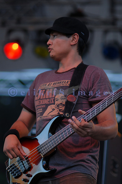 Bassist Earl Pereira of Canadian rock band Wide Mouth Mason at the 2006 Mt. Baker Blues Festival.
