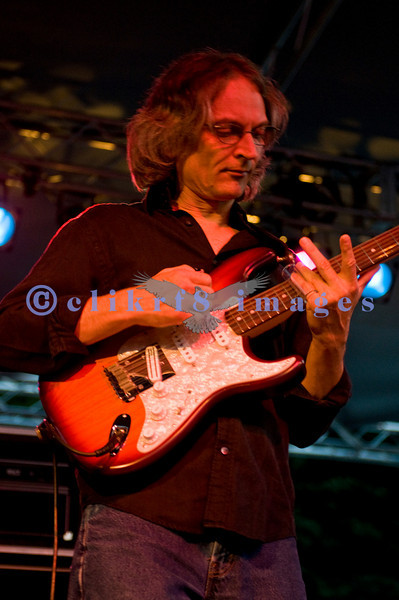 Sonny Landreth, Sunday night's closer at the 2009 Mt. Baker Blues Festival, shared the stage and a song with Johnny Winter on Saturday night.