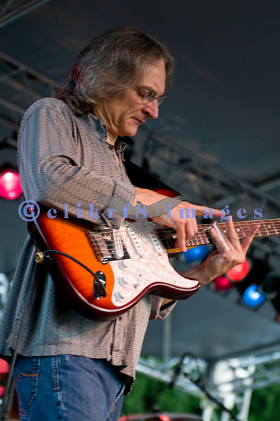 Sunday night's audience at the 2009 Mt. Baker Blues Festival was treated to slide guitar virtuoso Sonny Landreth. Sonny was voted the best slide guitarist by Guitar Player magazine readers and was featured on their October 2008 cover.