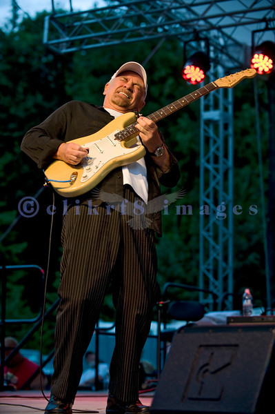 """The Average White Band, whose hits include """"Pick Up The Pieces"""", headlined Saturday night, July 30, 2011 at the Mt. Baker Rhythm and Blues Festival. Onnie McIntyre, Guitar"""
