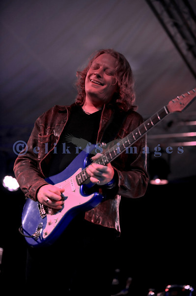 Rated in the top ten British blues guitarists of all time (Guitar & Bass Magazine), Matt Scofield and his band, closed Saturday night, July 30, 2011 at the Mt. Baker Rhythm and Blues Festival in Deming, Washington. Matt Schofield, electric guitar and vocals