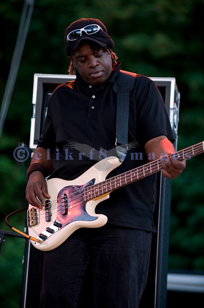 American roots musics artist Shane Dwight and his band made their third consecutive appearance at the Mt. Baker Rhythm and Blues Festival closing Sunday night, July 31, 2011. Kevin Stewart, bass guitar