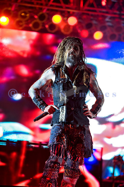 Rob Zombie, creative genius of theater and music, has been nominated three times as a solo artist for the Grammy Award for Best Metal Performance. He and his band lived up to the hype with a stellar stage and performance. Rob Zombie, creative genius