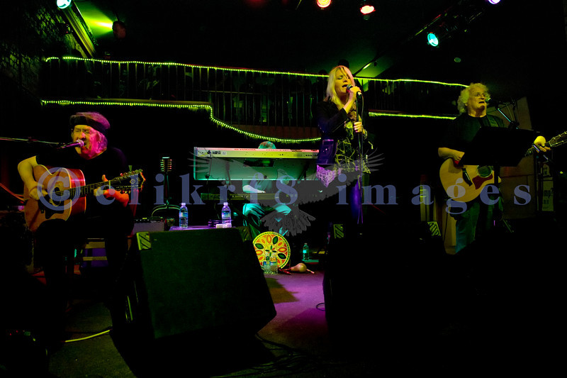 Performing on stage at the Wild Buffalo House Of Music are Paul Kantner, guitar/vocals; Chris Smith, keyboards; Cathy Richardson, vocals/guitar; David Freiberg, vocals/guitar.