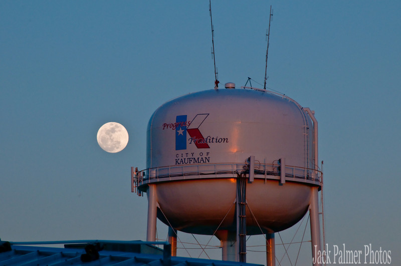 I love this......  My first 24 years of living in Kaufman County TX....means..... I saw a great number of FULL-MOONS.... So thankful for my Kaufman County heritage(family members all around were born in Kaufman County)....I will always cherish my friends from Kaufman, Scurry, Rosser, Kemp, Crandall, Terrell, Lone Star, Gastonia, Warsaw, Grays Praire, Styx, Peeltown etc etc.  Don't live there now......but it's home......and where my heart remains.