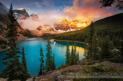 Sunrise at Moraine Lake, Banff National Park