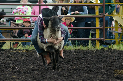 mutton_busting_sunday_14-5488