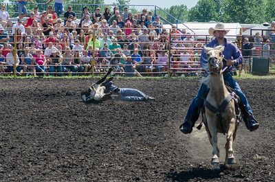 steer_wrestling_saturday_14-4646