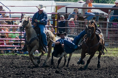 steer_wrestling_saturday_14-4651