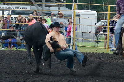 steer_wrestling_sunday_14-5687