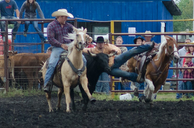 steer_wrestling_sunday_14-5683