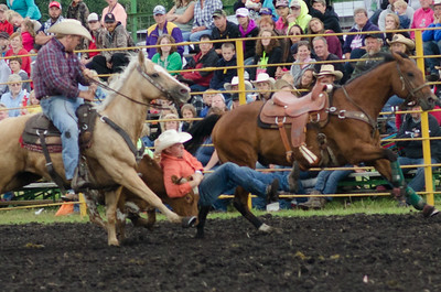 steer_wrestling_sunday_14-5712