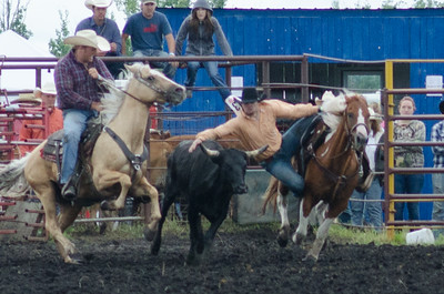steer_wrestling_sunday_14-5680